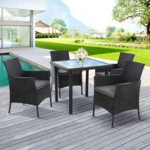 Outdoor Dining Settings